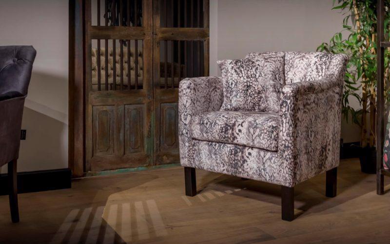 UrbanSofa-Bella-fauteuil-snake-print